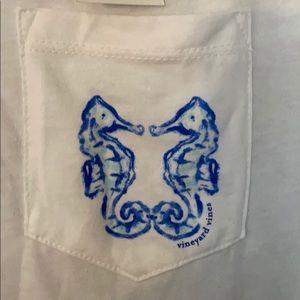 Vineyard Vines Women's Seahorse T-Shirt Small